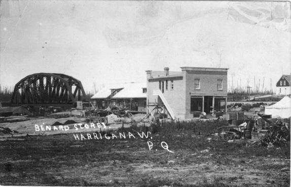 Le second magasin de Maurice B�©nard construit a Amos, en 1914.