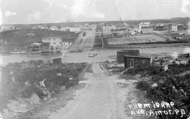 La 1<sup>re</sup> Avenue, a Amos, avant 1920.&nbsp;